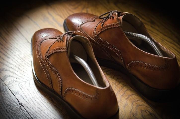 ciasne buty